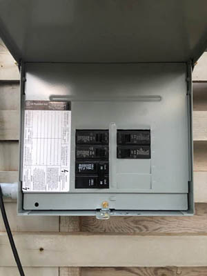 This picture shows a sub panel installation in Pasadena. This subpanel distributes a new circuit to a garage